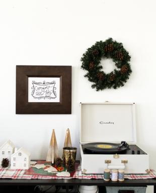Styldbygrace_Christmas_Prints_Garland_2017__13